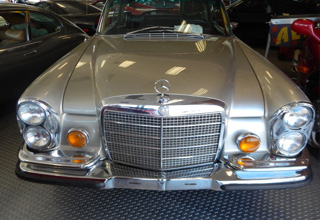 we buy classic Mercedes Benz cars 1
